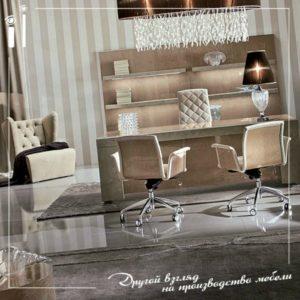 Комплект мебели в кабинет руководителя.