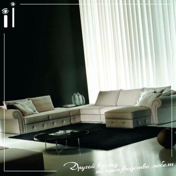 Качественный кожаный угловой диван.