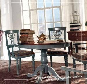 Стол для классической кухни