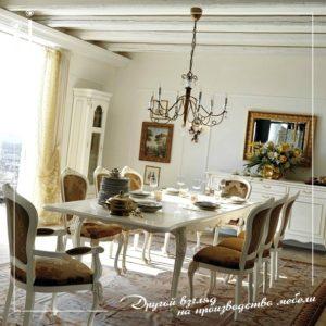Обеденный стол из дерева для гостинной на заказ в Краснодаре