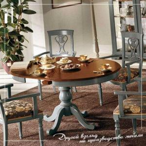 Круглый классический стол из массива дерева