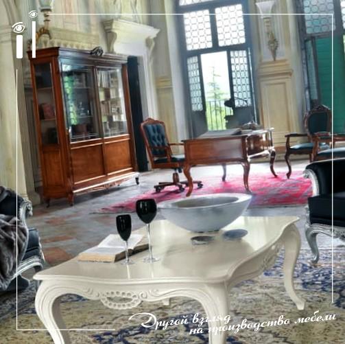 Журнальный столик в классическом стиле
