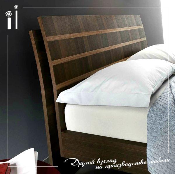 Кровать с декоративными вставками дуба и грецкого ореха. Art - 1117