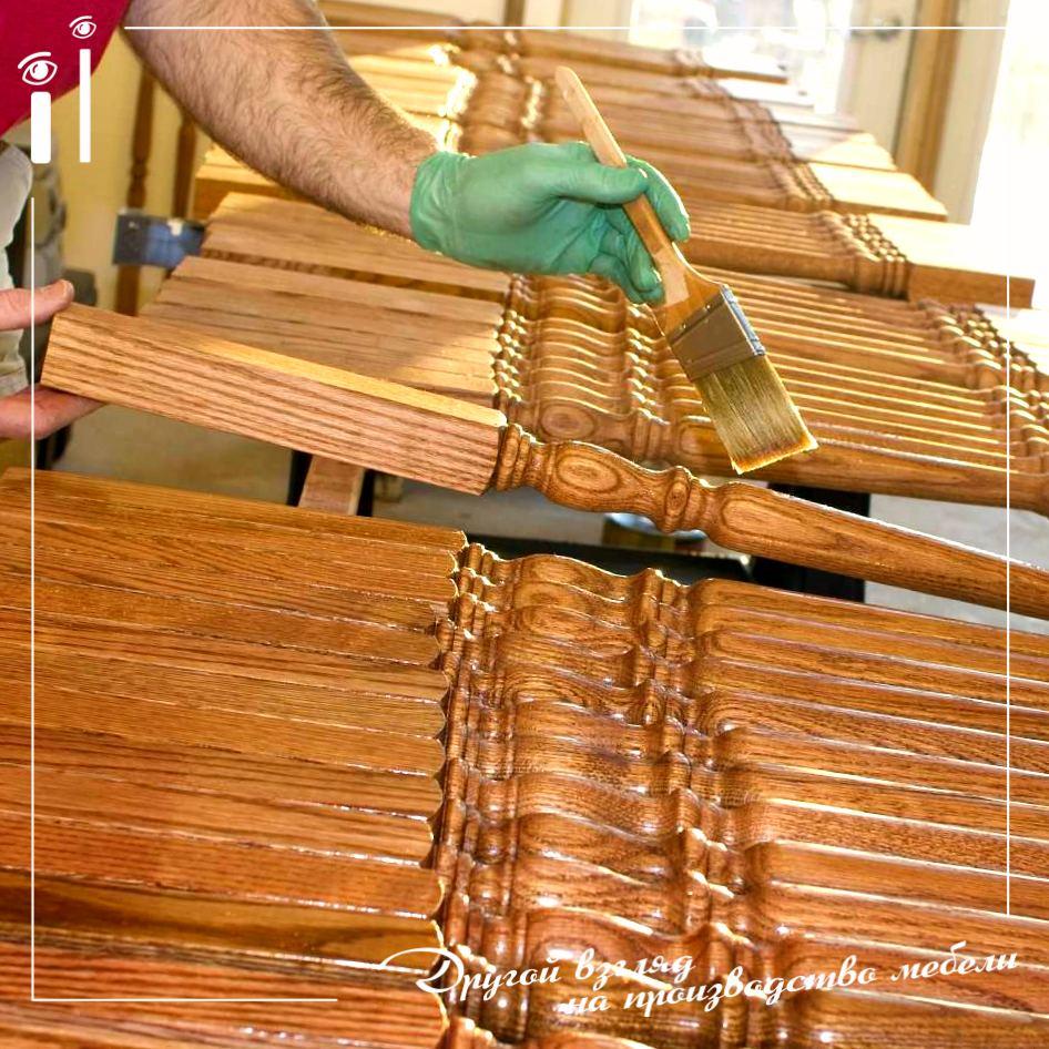 Покрытие лаком мебели из массива