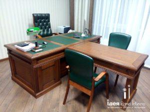 Стол для руководителя изготовленный на производстве в Краснодаре